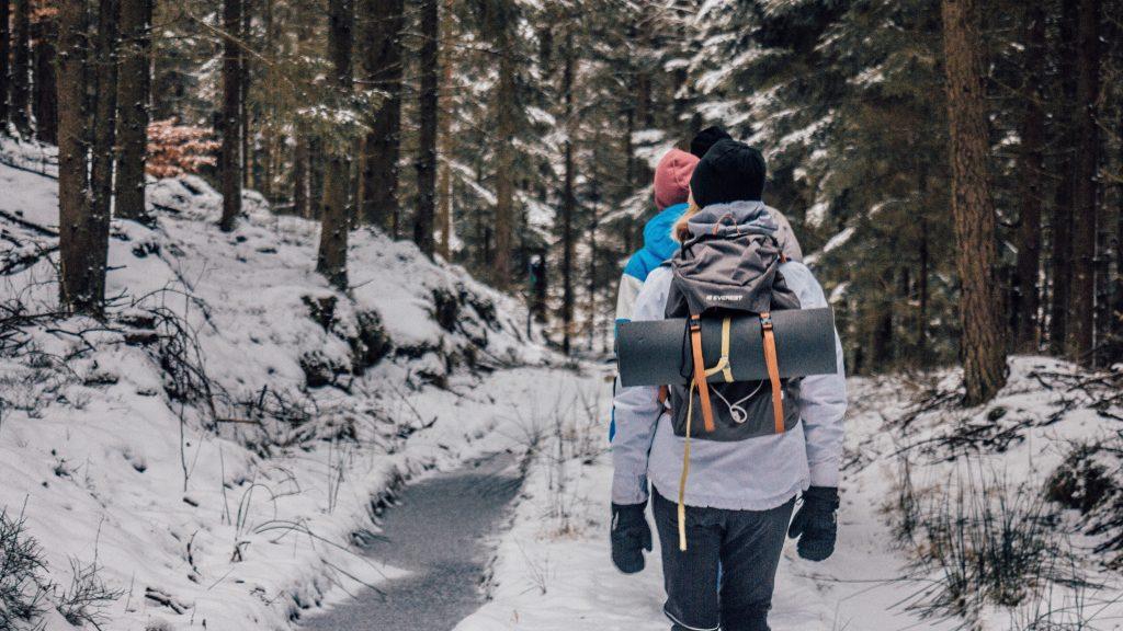 Lager på lager-principen går att nyttja året om och ger dig ett anpassningsbart skydd mot kyla, väta och vind