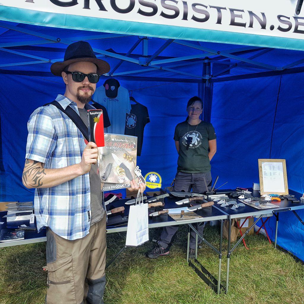 Andreas Fridh vann en Spyderco hos Knivgrossistens på Bushcraftfestivalen