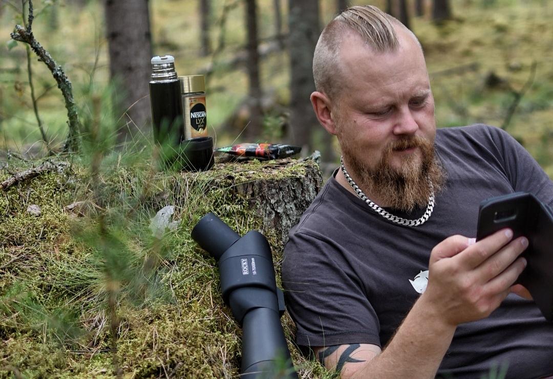 Mobilförbud i skogen eller använda mobilen som verktyg/redskap
