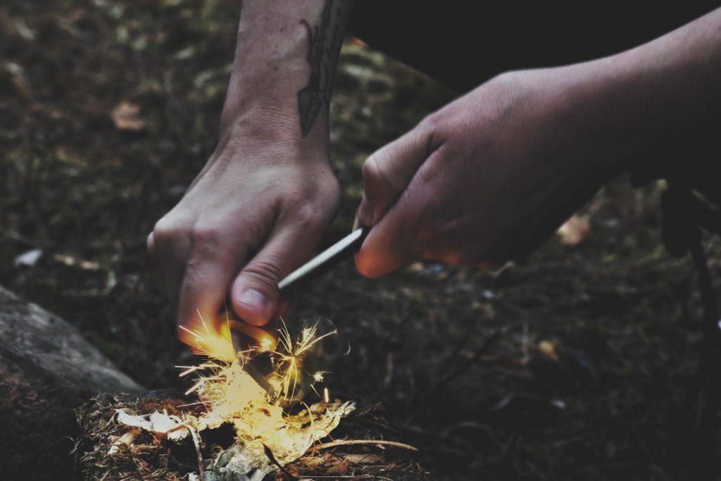 Tändstål eller eldstål är ett av de säkraste alternativen i naturen